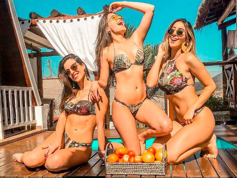 Bailarinas do Faustão passam férias no Chalezinho